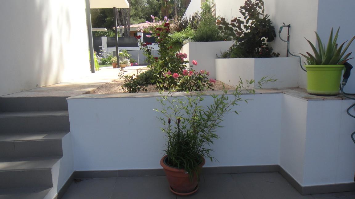 Peso de jardineras me da miedo sobrecargar mi terraza - Jardineras con bambu ...