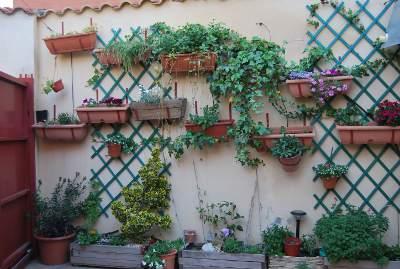 El patio de mi casa os lo presento for Jardineras para patio casa